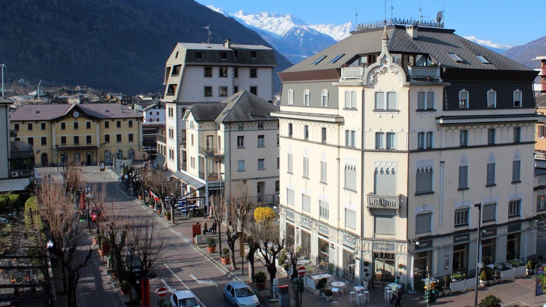 Estación de Tirano (Italia) Bernina Express