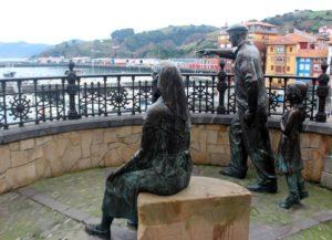 Escultura Badatoz. Ya Vienen. Bermeo