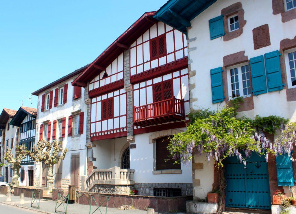 Bonita calle de Ainhoa. País Vasco-Francés