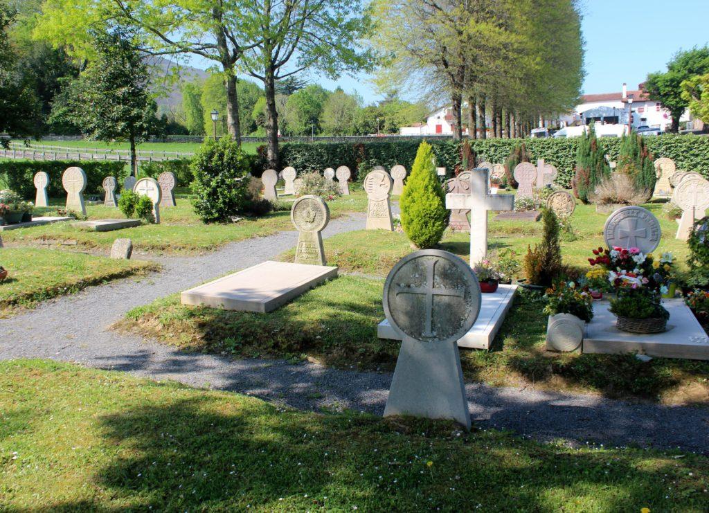 Cementerio de Ascain