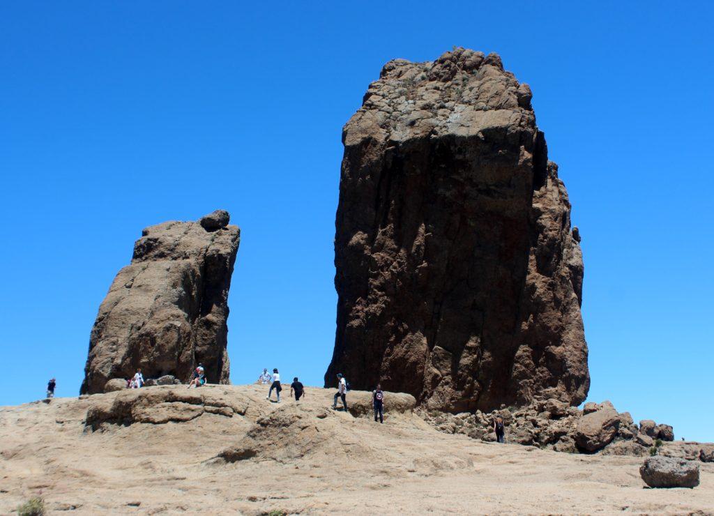 Roque de la Rana y roque de Nublo