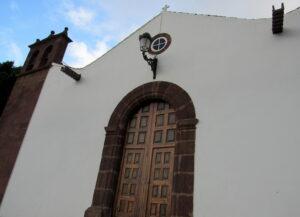 Portada de la iglesia de las Nieves en Taganana
