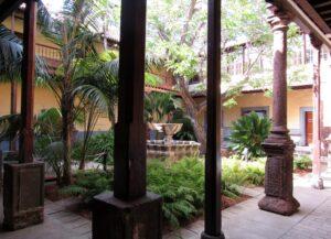 Patio de la Casa de Alvarado Bracamonte En la Laguna