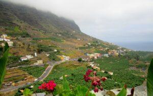Valle de Hermigua con niebla