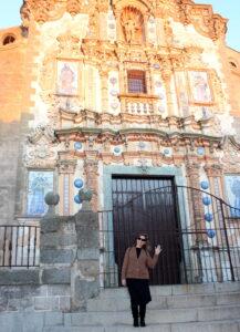 Fachada principal de la iglesia de San Bartolomé en Jerez de los Caballeros