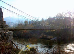 Puente suspendido por cables