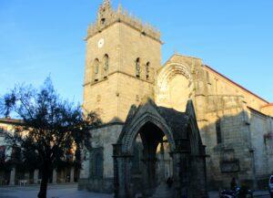 Fachada iglesia de Ntra. Señora de Oliveira en Guimaraes