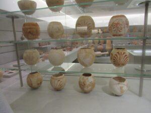 Huevos de avestruz en la necrópolis Puig des Molins