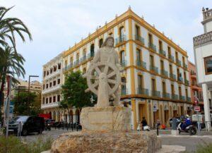Monumento al corsario del puerto de Ibiza