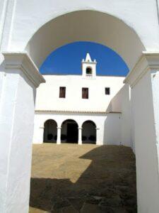 Iglesia de San Miguel de Balansat en Ibiza