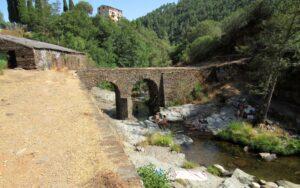 Puente y molino de Las Mestas