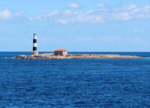 Faro de isla de Espardell