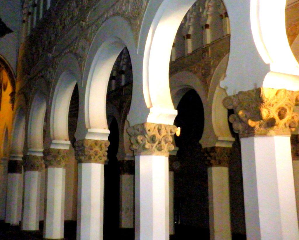 Qué ver en Toledo. Sinagoga Santa María la Blanca