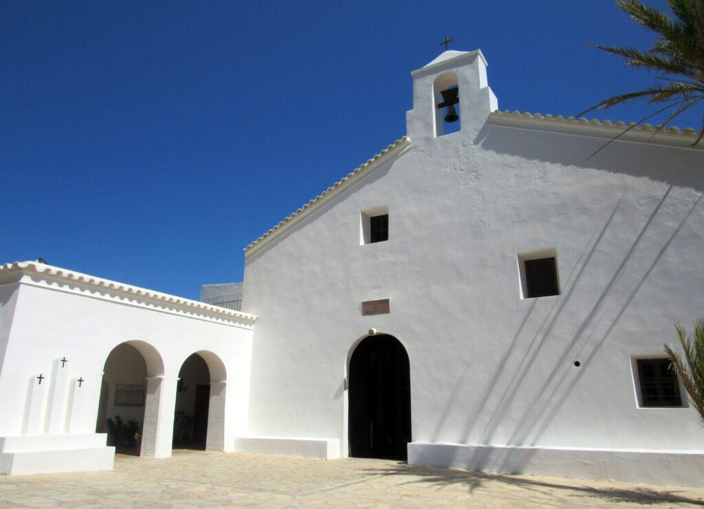 Ruta por las iglesias de Ibiza