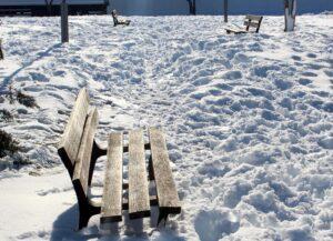 Bancos con nieve
