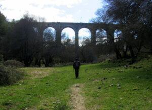 Puente de los siete ojos río Cofio