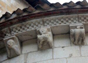 Modillones abadía de Santa María de Arthous